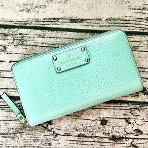 KATE SPADE⚡️Mint Green Leather Zip Around Wallet